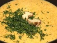 Крем-суп из белых грибов с чесночными гренками
