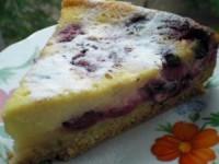 Песочный ягодный пирог со сметанной заливкой