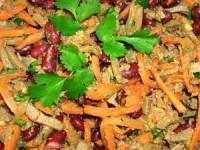Печеночный салат с фасолью и морковью