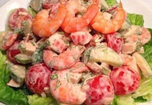 Праздничный салатик с помидорами черри и креветками