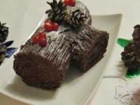 Рождественское полено - шоколадный рулет с нежным творожным кремом