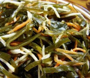 Полезный салат из морской капусты