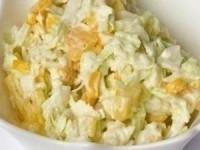 Салат капустный с кукурузой и яблоком