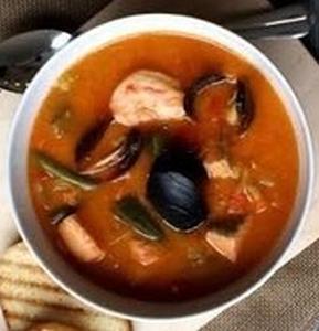 Густой томатный суп с семгой