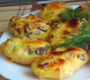 Запечённая картошка с грибами