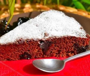 Кофейный пирог с черносливом
