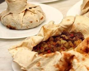 Мясо в армянском лаваше