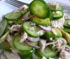 Салат с авокадо и курицей Фитнес