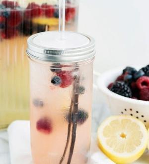 Ванильно-ягодный лимонад