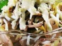 Салат из говяжьего языка с грибами и черносливом