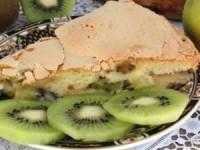 Шарлотка с яблоками и киви