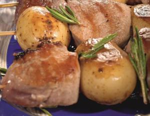 Шашлыки из свинины и картофеля