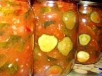 Маринованные огурцы в томатном соусе