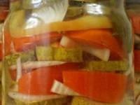 Овощное ассорти из помидор и огурцов на зиму