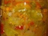 Салат из зеленых помидор с морковью на зиму