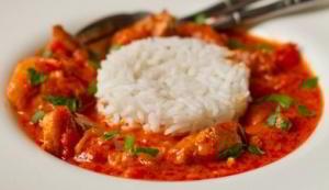Красное тайское карри из курицы