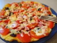 Пицца с тонким тестом на сковороде