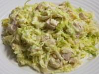 Салат из свежей капусты с курицей