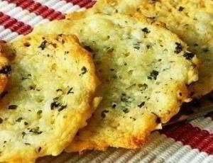 Хрустящие сырные крекеры, 10 минут - 2 ингредиента