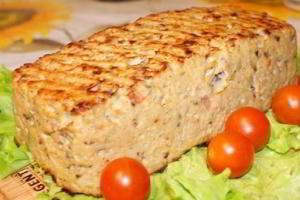 """Куриный """"хлеб"""" с шампиньонами и болгарским перчиком."""