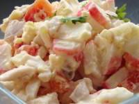 Салат Коралл с крабовым мясом и курицей
