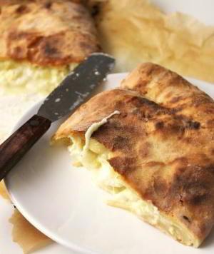 Хачапури – грузинская лепешка с сыром м