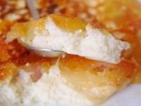 Омлет из творога с карамельными яблоками