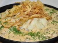 Печенка в сырном соусе
