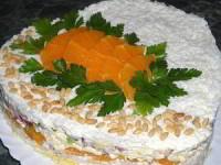 Слоёный салат с курицей, апельсинами и плавленым сыром
