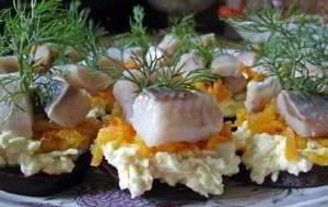 рецепт Порционная закуска с селёдочкой