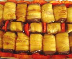 рецепт Рулетики из баклажанов с мясной начинкой 2