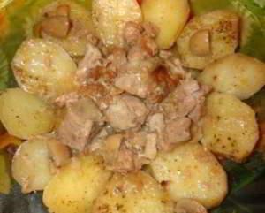 рецепт Свинина по деревенски с картофелем