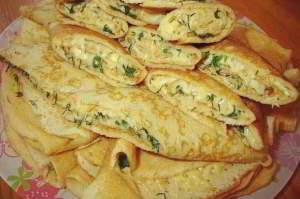 Блинные конвертики с сыром и зеленью