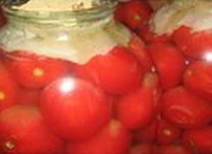 Соленные, ядреные, бочковые помидоры из банки