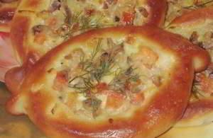 рецепт Пирожки лодочки с сырно-грибной начинкой