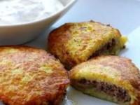 Драники с грибной начинкой (картофельные оладьи)
