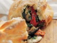 Панини с овощами на гриле и сыром моцарелла