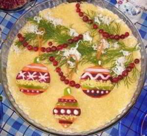 Новогодний салат Мимоза с сыром – один из самых популярных салатов на наших праздничных новогодних столах