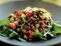Салат с чечевицей по-гречески