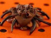 Шоколадные пауки с орехами