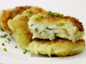 Картофельные пампушки с творожной начинкой