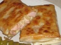 Рулет из лаваша с колбасой и сыром
