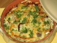 Рыба с картофелем, запеченные под майонезом и сыром