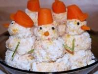 """Закуска """"Крабовые снеговики"""" - новогодние рецепты"""