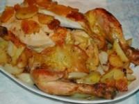Курица, запеченная с курагой и яблоками