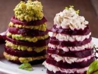 """Новогодний салат """"Свекольные елочки"""" - новогодние рецепты"""