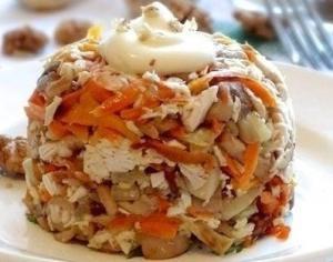 Салат «Сытный» с куриным филе