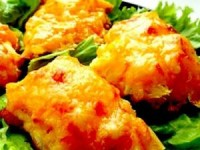 Курица, запеченная с ананасами и сыром