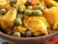 Курица с лимоном и оливками