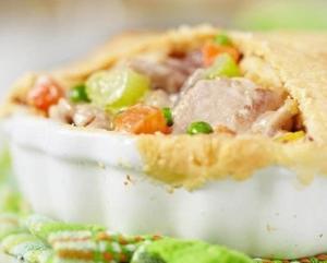 Куриный пирог с овощной смесью